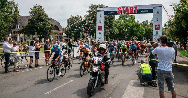 Road race start